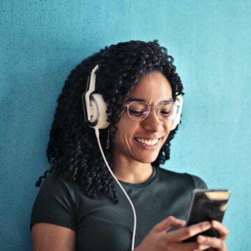 Deux nouveaux forfaits pas chers chez NRJ Mobile © Andrea Piacquadio, Pexels