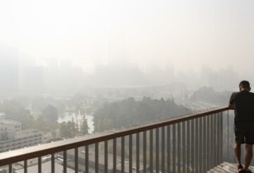 Perth envuelto por el humo después de la quema controlada, incendios forestales