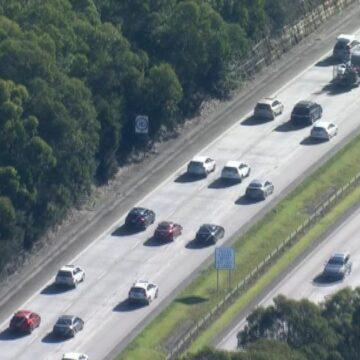 Retrasos en la autopista del Pacífico después de una grave colisión de varios vehículos