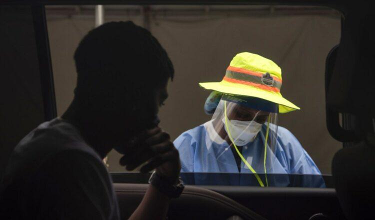 La FDA analiza los impulsores, los mandatos de disputa de los estados y más noticias sobre el coronavirus