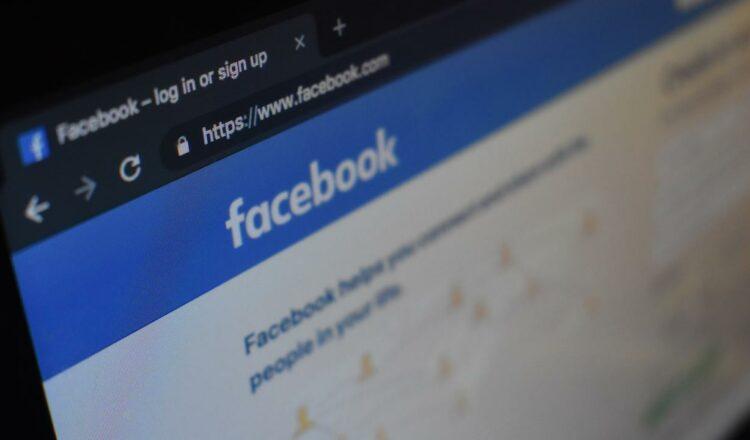 Facebook: promesa de hacer que las empresas de redes sociales rindan cuentas sobre el trolling