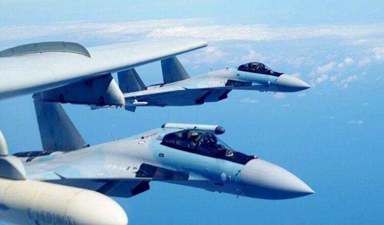 Taiwán reprende a China por incursión récord de aviones de combate
