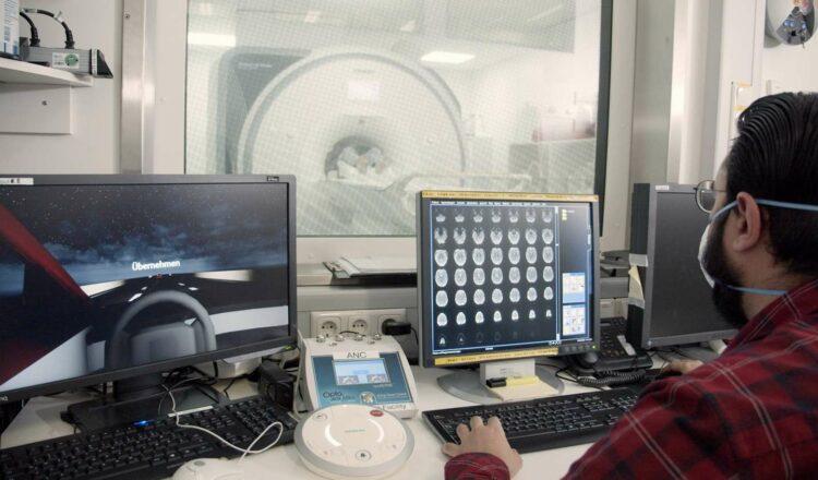 La démarche scientifique de Ford pourrait déboucher sur de nouvelles fonctions d'assistance à la conduite. © Ford